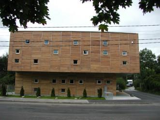 Pääslüla raamatukogu eemalt vaadatuna